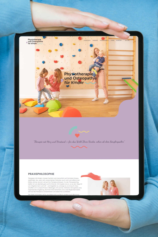 Anzeige der Website auf einem Tablet für Physiotherapie und Osteopathie für Kinder